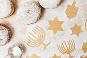 table traditionnelle de beignets savoureux photo