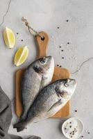 arrangement de fruits de mer délicieux à plat photo