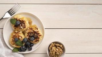 crêpes petit-déjeuner aux myrtilles photo