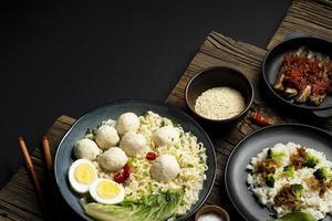 Bakso indonésien délicieux à angle élevé photo