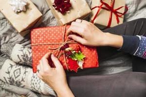 belle composition de cadeaux de Noël. beau concept de photo de haute qualité et résolution