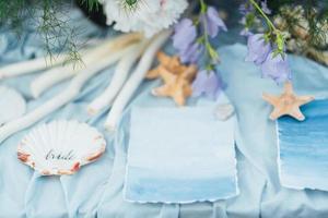 décoration de mariage étoile de mer et coquillage photo