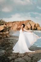 mariée au bord de la mer noire photo