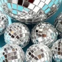 boules disco dans une boîte photo