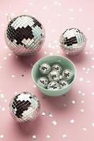 bol avec boules disco à plat photo