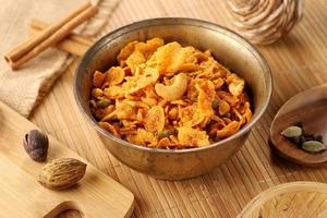 Snack namkeen dans un bol photo