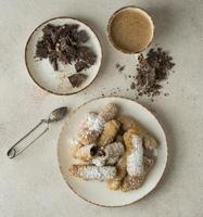 composition de délicieux plat traditionnel tequenos photo