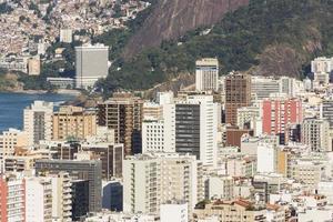 le quartier d'ipanema, vu du haut de la colline de cantagalo photo