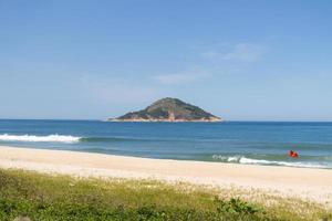 Plage de Grumari sur le côté ouest de Rio de Janeiro photo