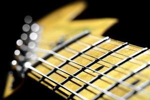 Image en gros plan d'un manche de guitare électrique photo