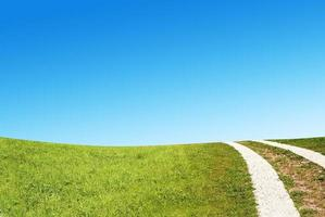 route rurale sale dans la campagne photo