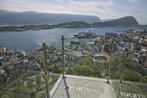 Vue d'Alesund en Norvège du point de vue de fjellstua photo