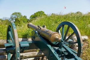 Vieux canon en bronze sur le rempart de la ville de Fredericia Danemark photo