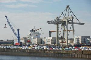 Port de Hambourg sur l'Elbe, Allemagne photo