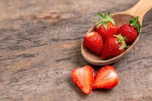 fruits naturels de fraise sucrée photo