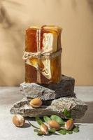 Assortiment de produits d'argan vue de face photo