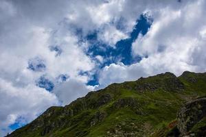 Paysage près du lac de levico, trento italie photo