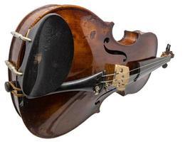 Vieux violon antique brun foncé isolé sur blanc photo