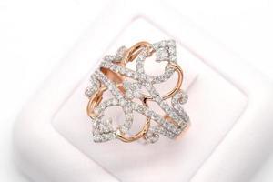 bague en diamant en or 9 carats photo
