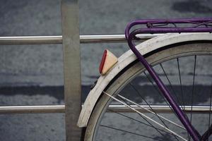 vélo dans la rue mode de transport photo