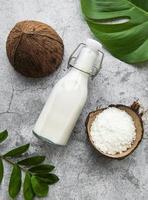 lait de coco frais photo