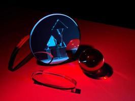 cristal bleu reflété dans le miroir photo