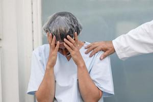 infirmière en deuil portrait photo