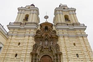 monastère de san francisco à lima pérou photo