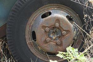 vieux pneus vintage photo