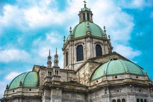 Vue extérieure de la cathédrale de Côme duomo di como photo