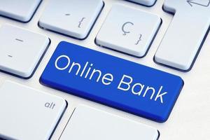 Mot de banque en ligne sur la touche du clavier de l'ordinateur photo