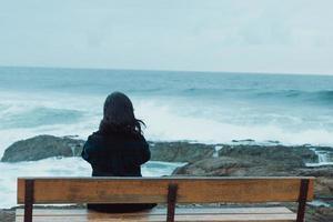 femme à la mer photo