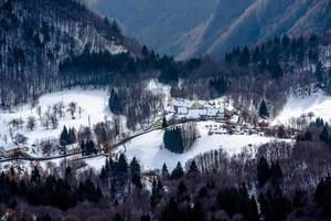 village avec neige deux photo