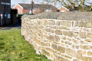 mur de pierre au soleil photo