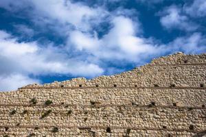 202144montemezzo les murs du château1 photo