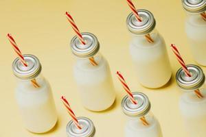 maquette minimaliste d'un motif de milkshake photo