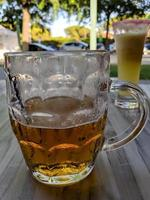 gros verre à bière photo
