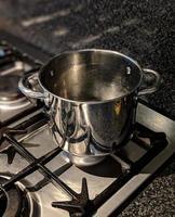 marmite en métal photo