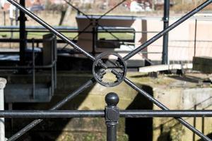 travail du métal sur le canal photo