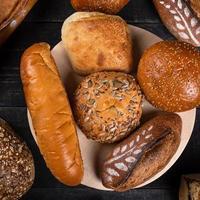 savoureux pains de pain, vue de dessus photo