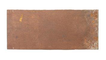Plaque vierge en métal rouillé isolé sur fond blanc photo
