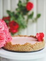 cheesecake aux fraises maison à base de flocons d'avoine photo