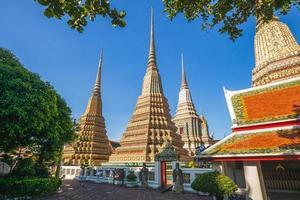 Phra Chedi Rai de Wat Pho à Bangkok en Thaïlande photo