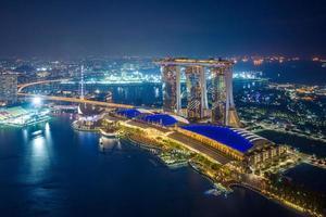 Horizon de marina bay à singapour la nuit photo