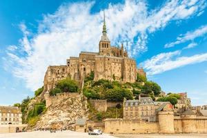 Mont Saint Michel en Normandie, France photo