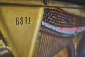 intérieur du piano à queue libre photo
