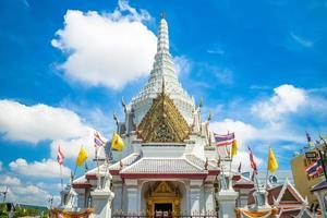 Sanctuaire du pilier de la ville de lak mueang à bangkok, thaïlande photo