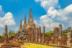 wat phra si sanphet à ayutthaya en thaïlande photo