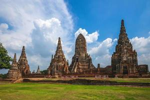 wat chaiwatthanaram à ayutthaya en thaïlande photo