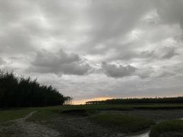 coucher de soleil depuis la plage photo